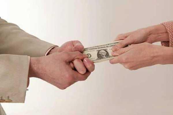 люди дающие деньги в долг